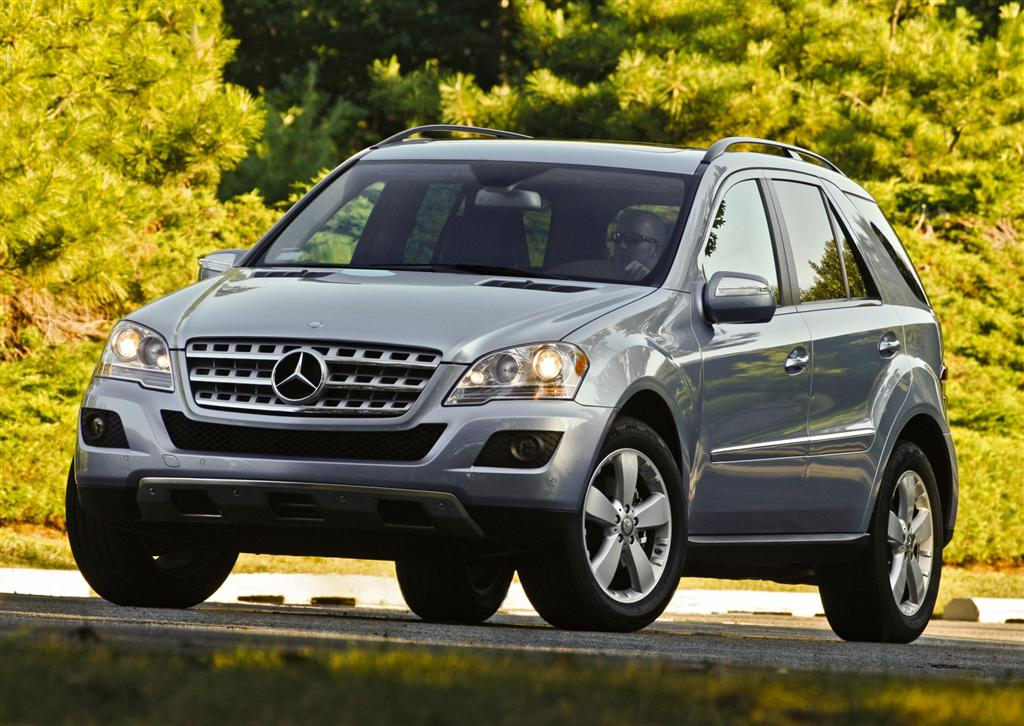 2009 mercedes benz suv wallpapers 74 wallpapers hd for Mercedes benz suv 2009