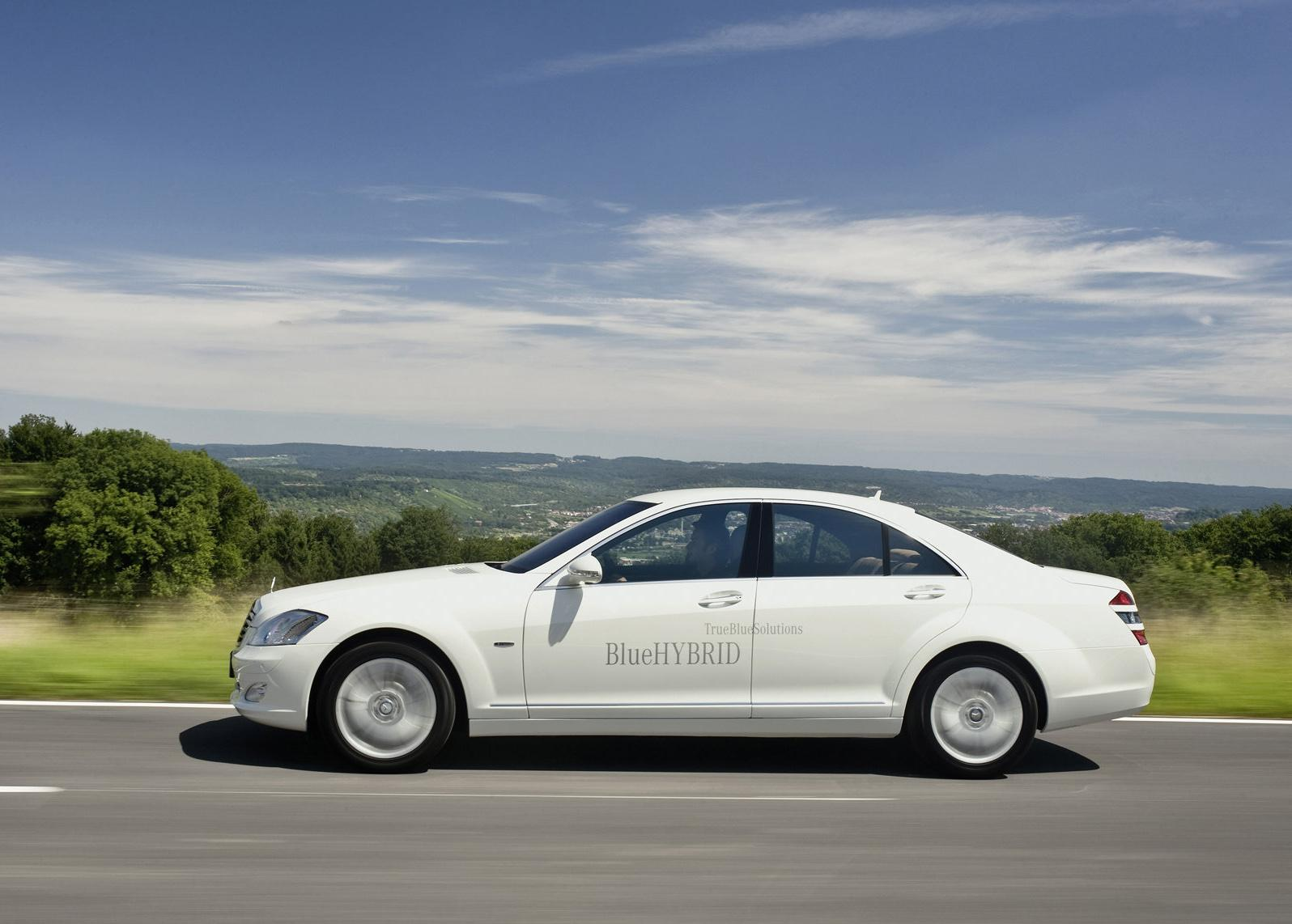 2010 mercedes benz s400 bluehybrid for Mercedes benz s400 price