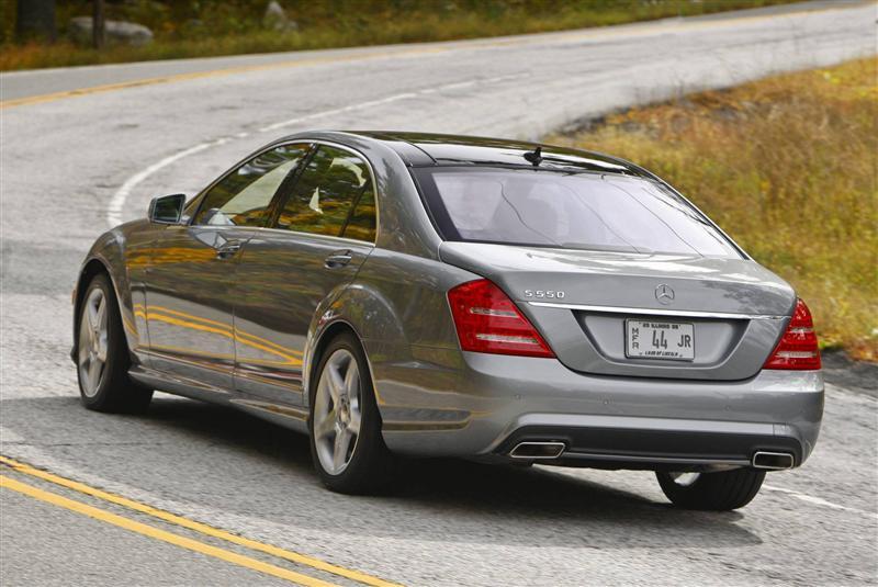 2013 Mercedes Benz S550 Image