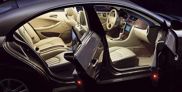 2004 Mercedes Benz Cls 500 Image