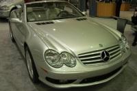 2004 Mercedes-Benz SL-Class image.
