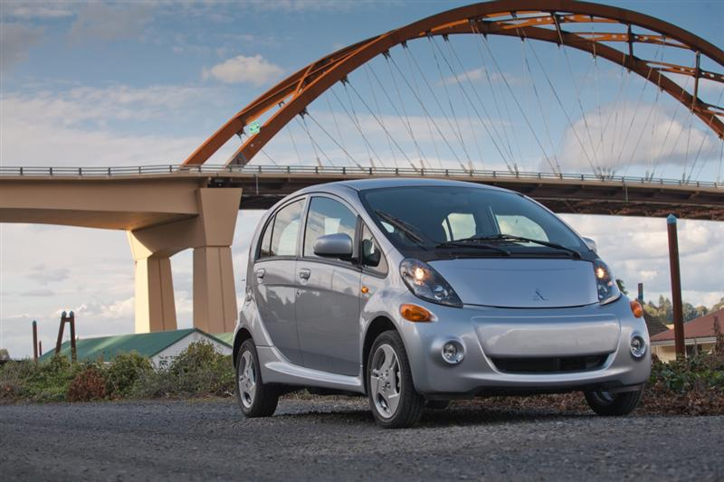 2014 Mitsubishi i-MiEV pictures and wallpaper