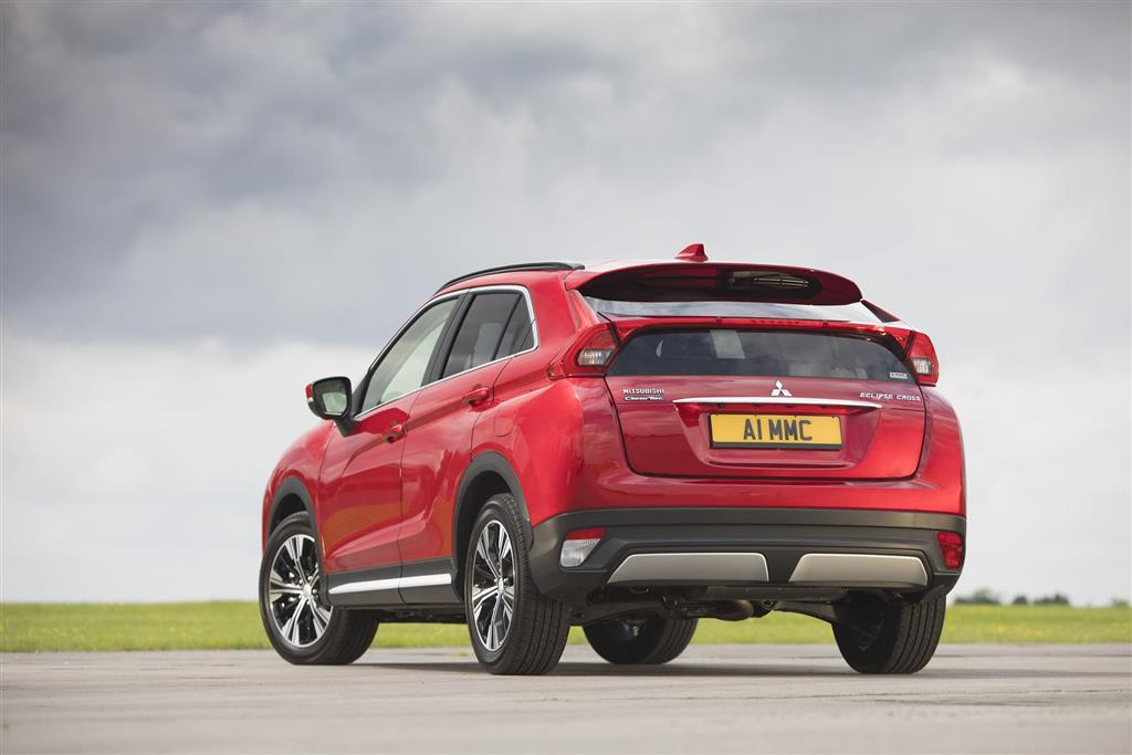 Mitsubishi Eclipse Cross pictures and wallpaper