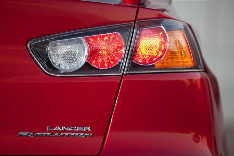 2012 Mitsubishi Lancer Evolution Image