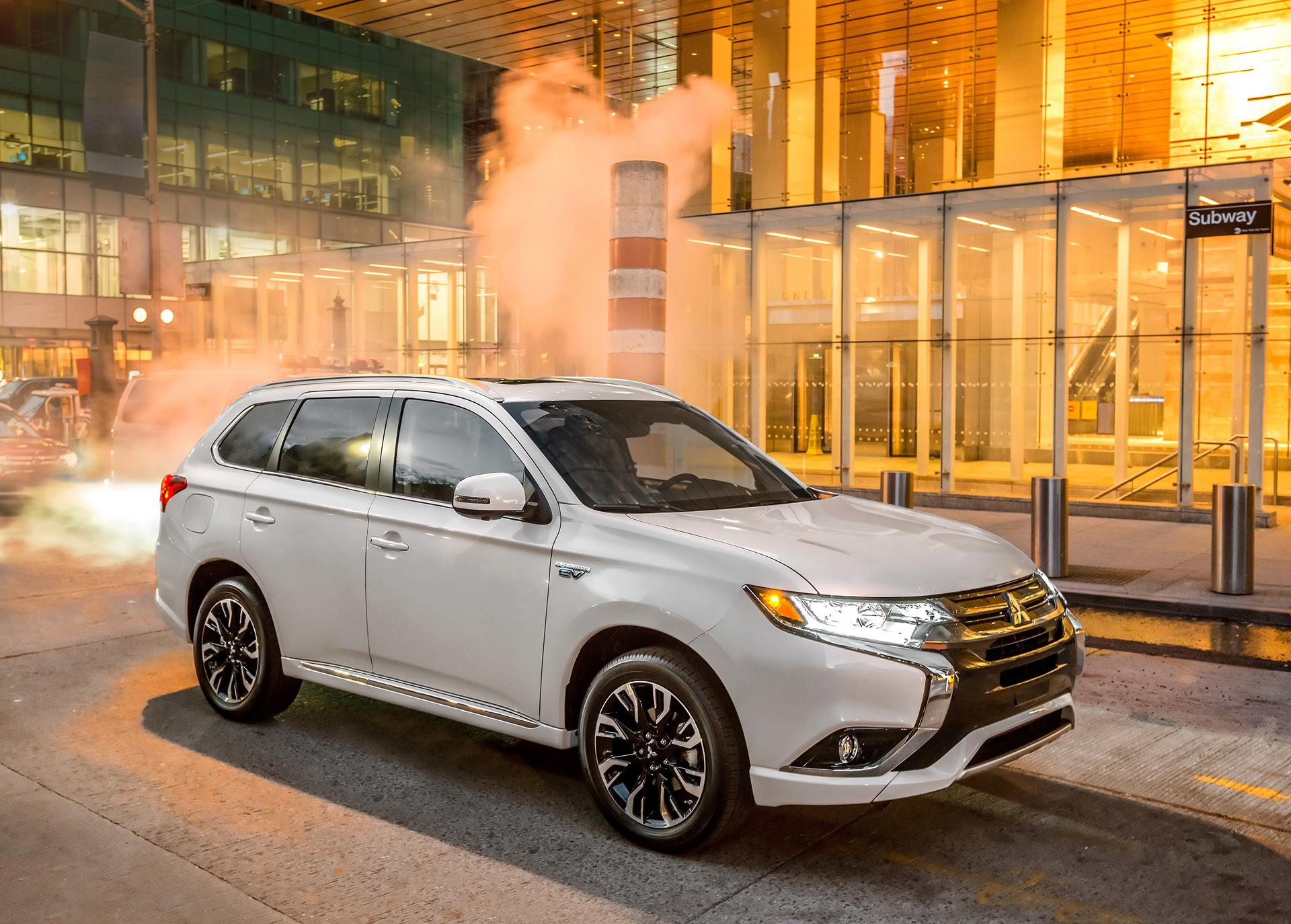 2017 mitsubishi outlander phev technical specifications and data engine dimensions and. Black Bedroom Furniture Sets. Home Design Ideas