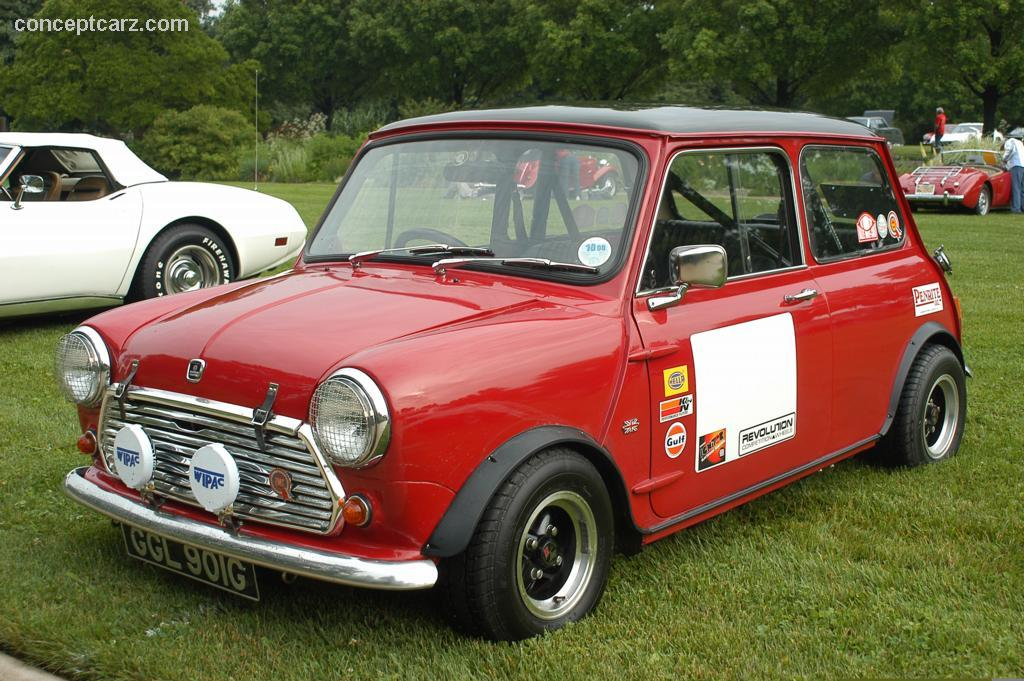 Morris Mini Cooperon Land Rover Series Iia