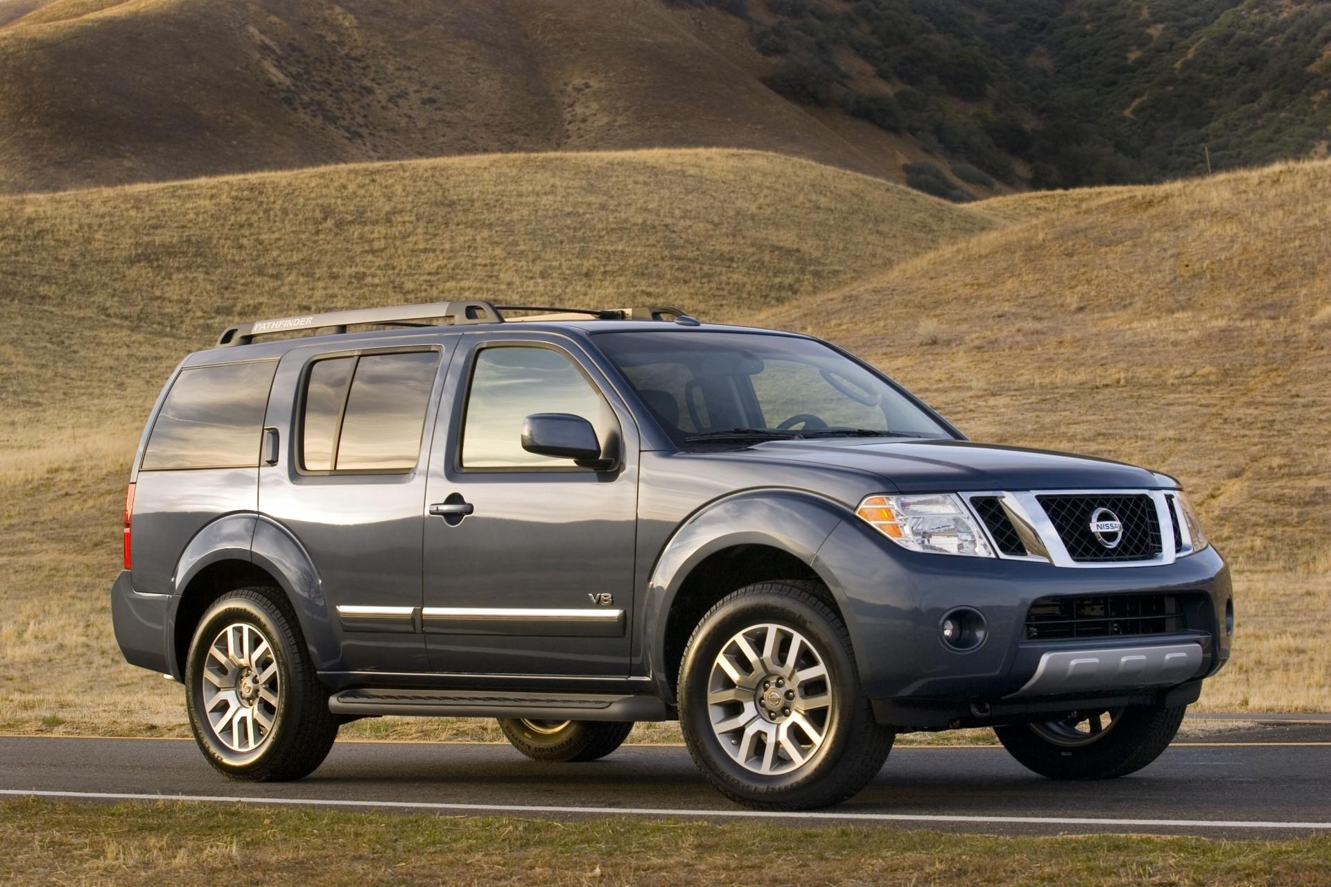 2011 nissan pathfinder. Black Bedroom Furniture Sets. Home Design Ideas
