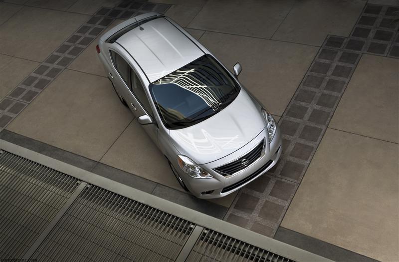 2012 Nissan Versa Image