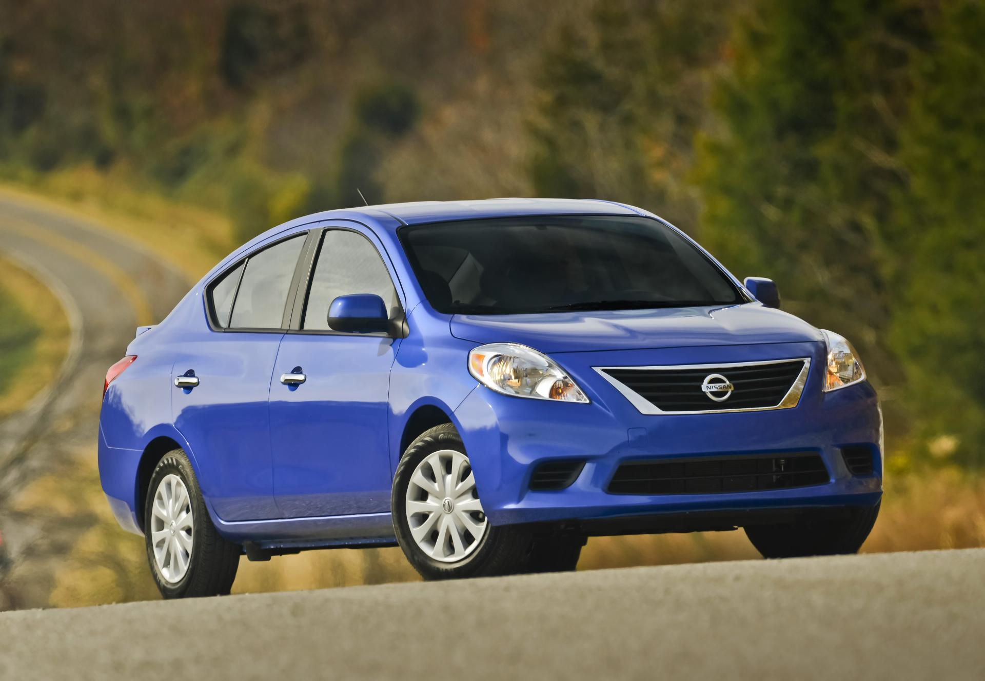 2014 nissan versa technical specifications and data. Black Bedroom Furniture Sets. Home Design Ideas
