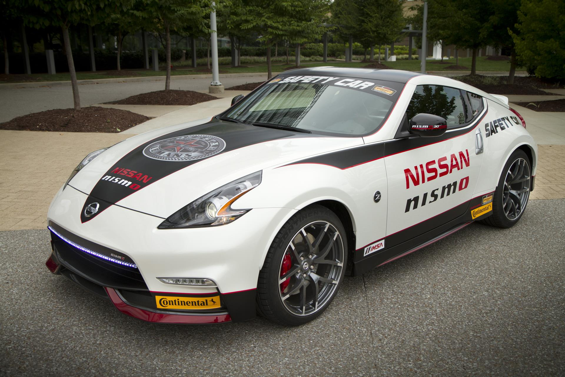 2015 nissan 370z nismo safety car. Black Bedroom Furniture Sets. Home Design Ideas