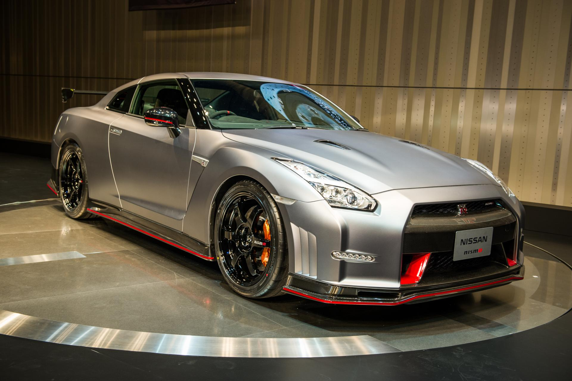 2015 Nissan GT-R Nismo Technical Specifications and data ...