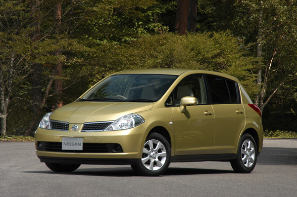 2005 Nissan Tiida Pictures History Value Research News