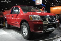 2005 Nissan Titan image.