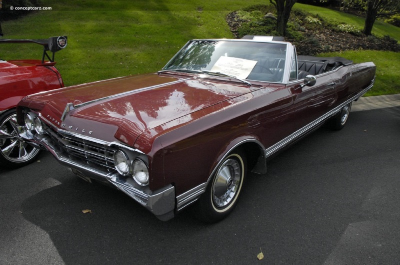 1965 Oldsmobile Ninety-Eight pictures and wallpaper