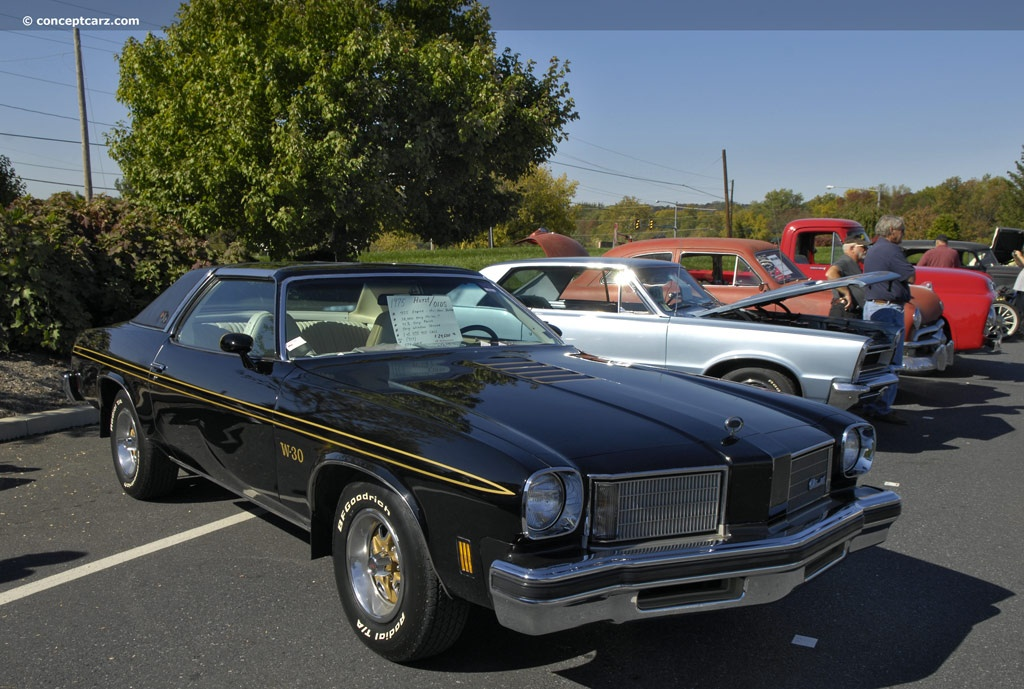 Oldsmobile Cutlass Supreme pictures and wallpaper