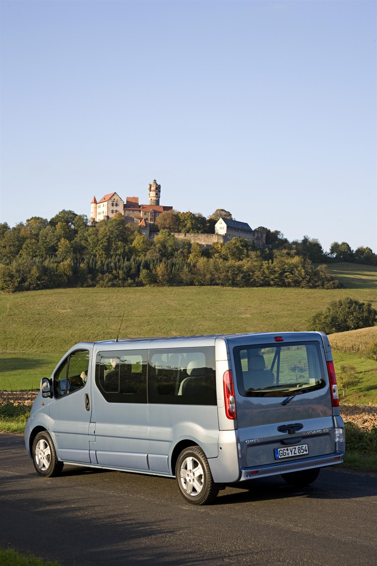2009 opel vivaro news pictures specifications and autos. Black Bedroom Furniture Sets. Home Design Ideas