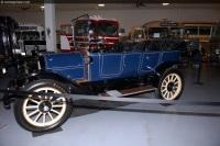 1913 Overland Model 71 image.