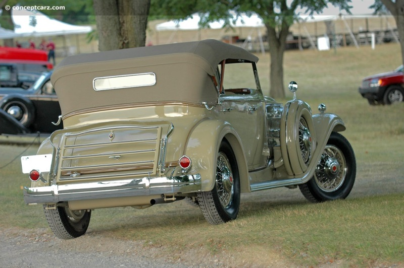 1932 packard model 904 deluxe eight at the meadow brook for Cadillac motor car company