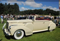 1942 Packard Clipper Eight image.