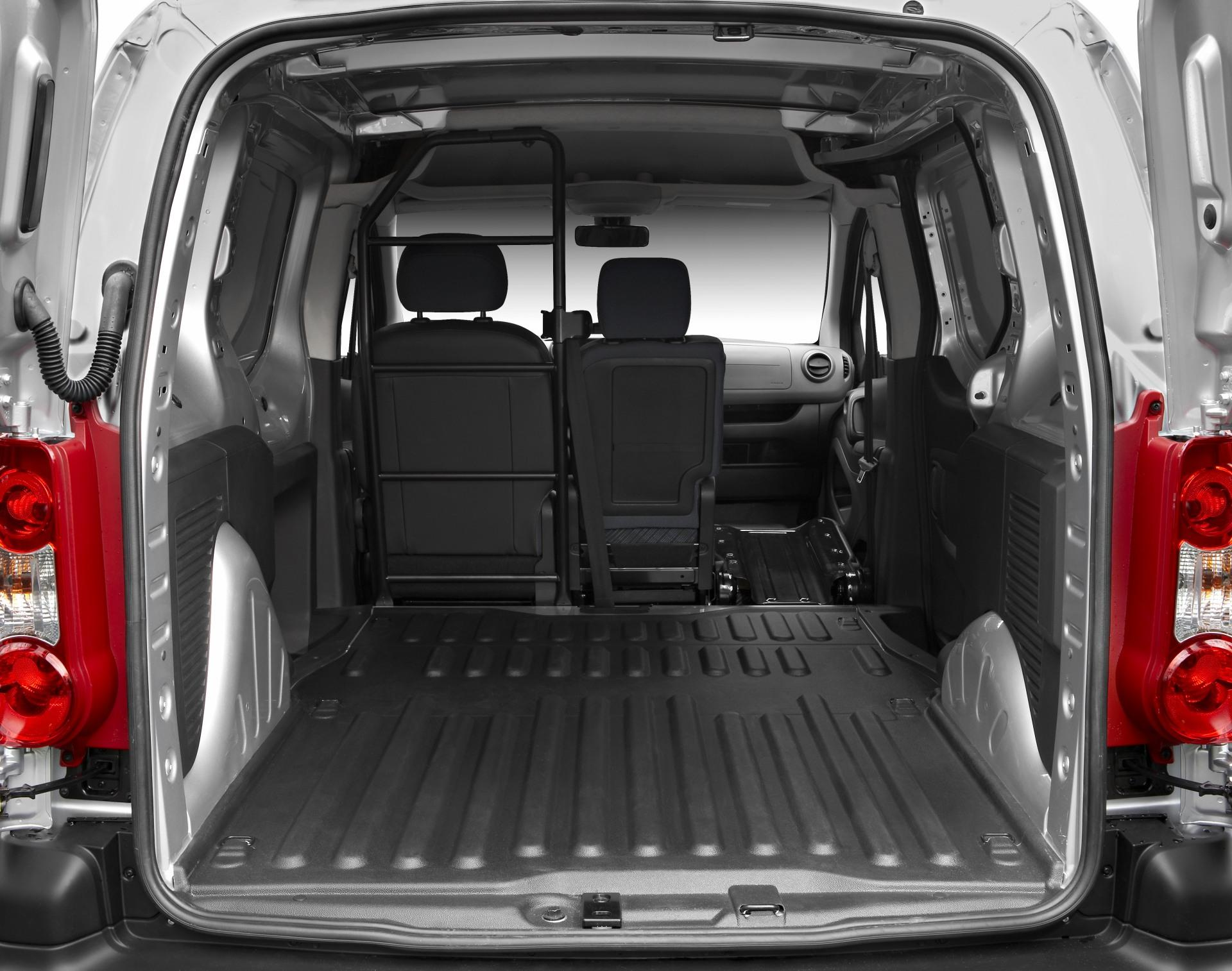 2009 Peugeot Partner Tepee Image
