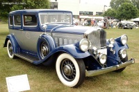 1932 Pierce Arrow Model 53 image.
