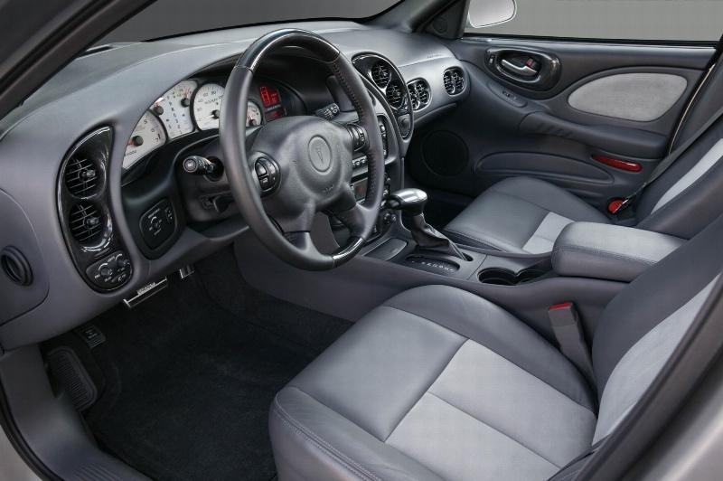 2004 Pontiac Bonneville Image