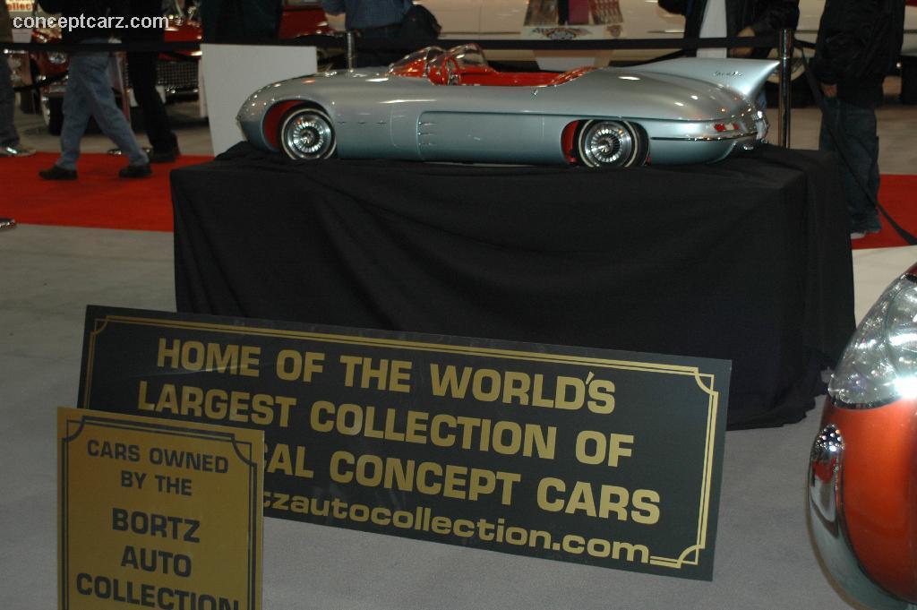 1956 Pontiac Club de Mer Image