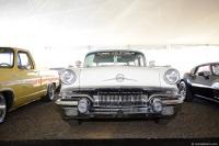 1957 Pontiac Safari image.