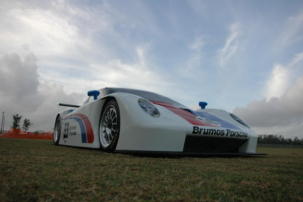 2004 porsche brumos daytona prototype at the palm beach for Brumos mercedes benz