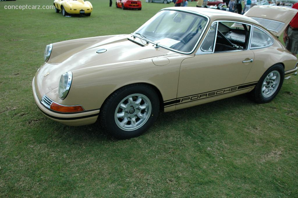 1967 porsche 911 at the palm beach international concours d 39 elegance. Black Bedroom Furniture Sets. Home Design Ideas