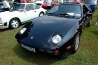 1985 Porsche 928S image.