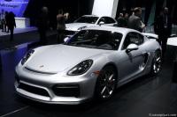 2016 Porsche Cayman GT4 image.