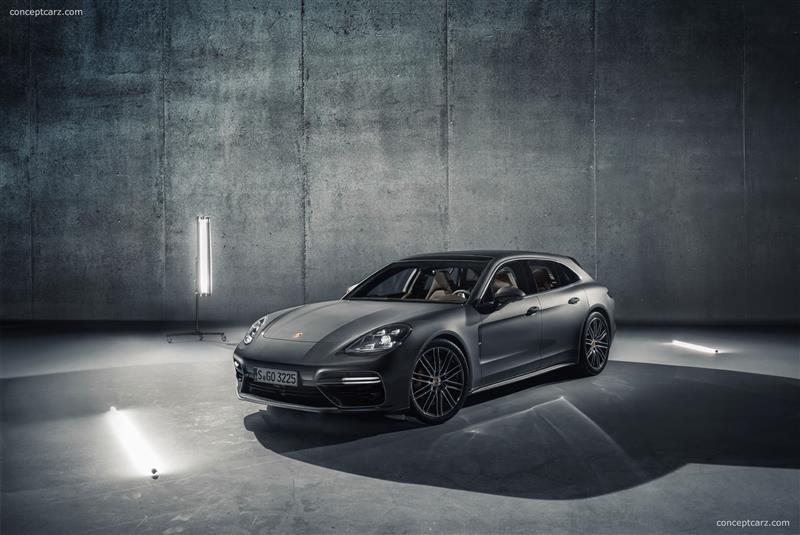 2017 Porsche Panamera Sport Turismo Image