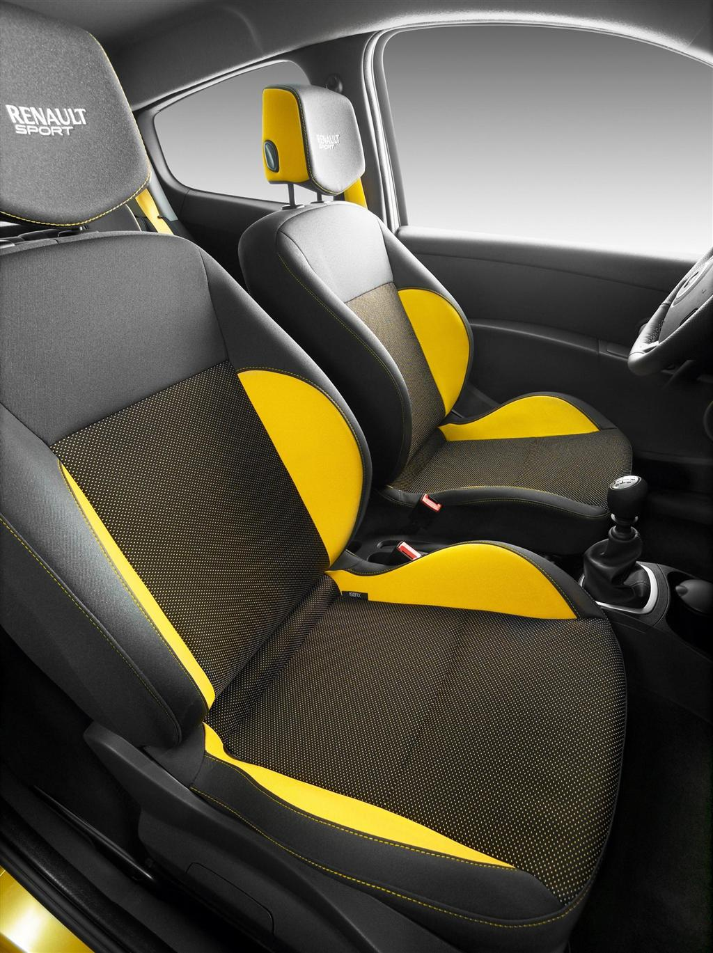 2010 renault clio rs. Black Bedroom Furniture Sets. Home Design Ideas