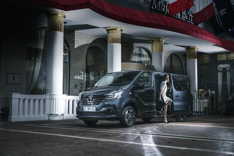 2017 Renault Trafic SpaceClass Image