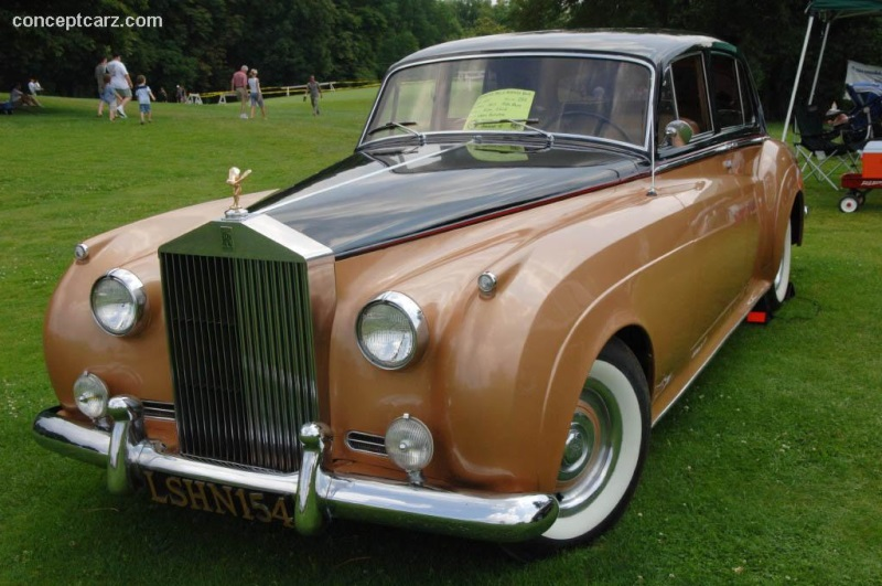 1957 rolls royce silver cloud at the pittsburgh vintage grand prix car show. Black Bedroom Furniture Sets. Home Design Ideas