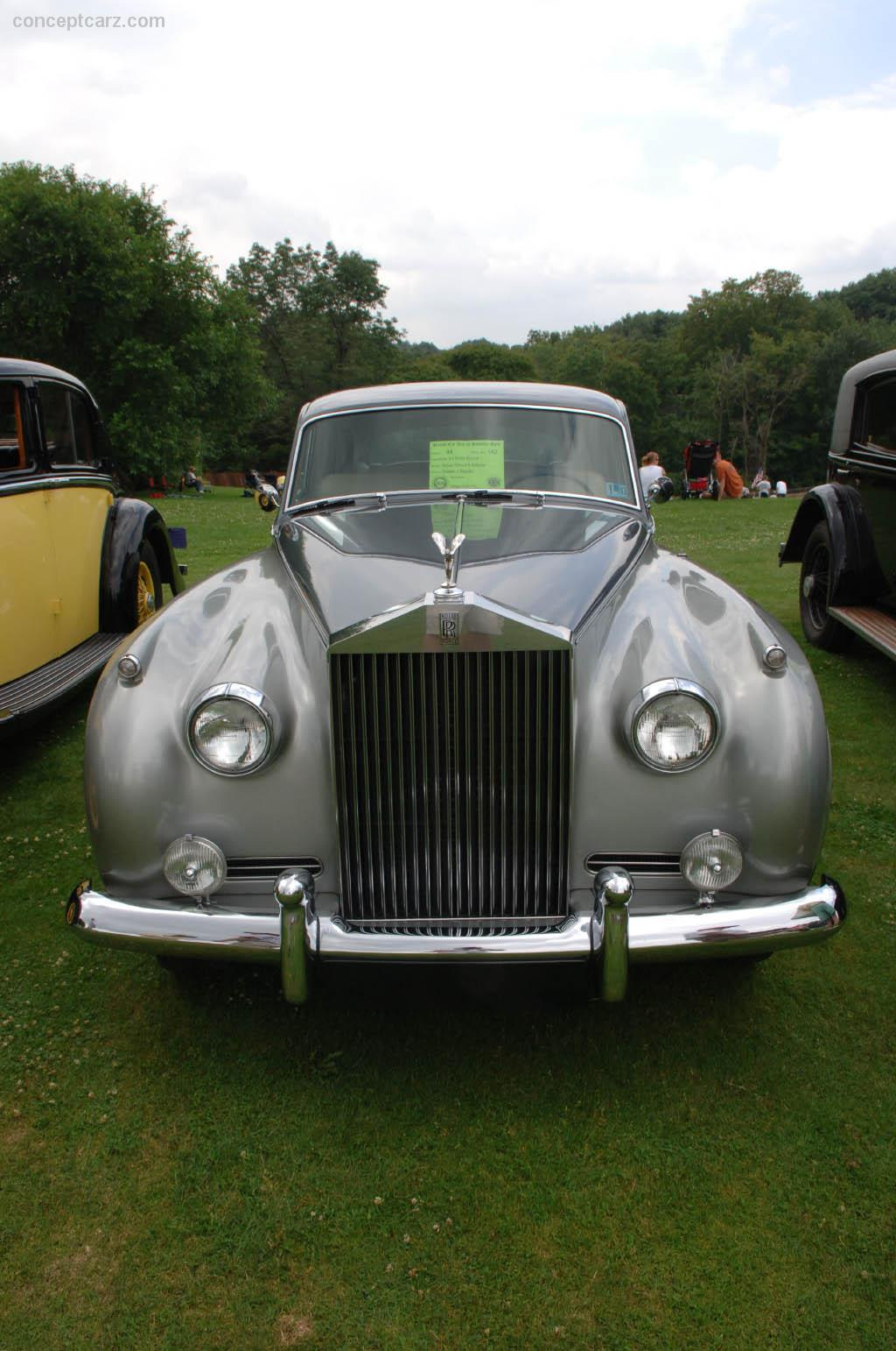 1961 rolls royce silver cloud ii at the pittsburgh vintage grand prix car show. Black Bedroom Furniture Sets. Home Design Ideas