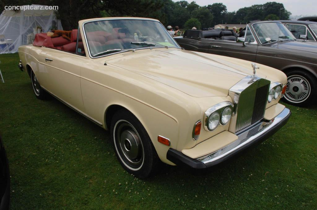 1973 rolls royce corniche at the pittsburgh vintage grand prix car show. Black Bedroom Furniture Sets. Home Design Ideas