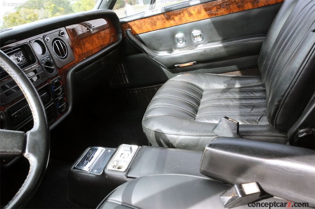 1977 Rolls-Royce Camargue Image
