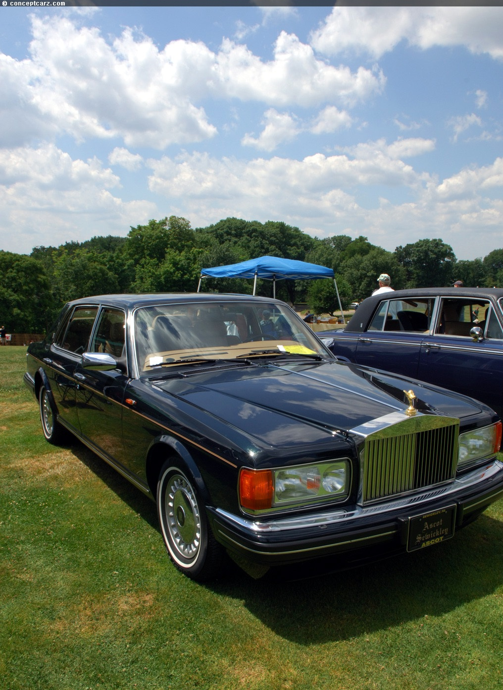 Note the images shown are representations of the 1997 rolls royce silver spur
