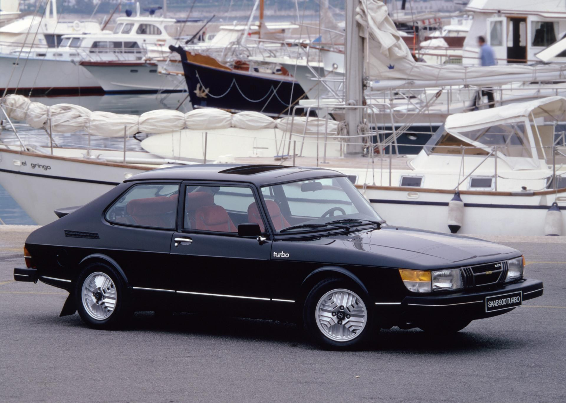 1980 saab 900 pictures history value research news. Black Bedroom Furniture Sets. Home Design Ideas
