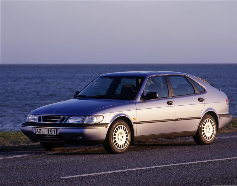 1997 Saab 900 Image