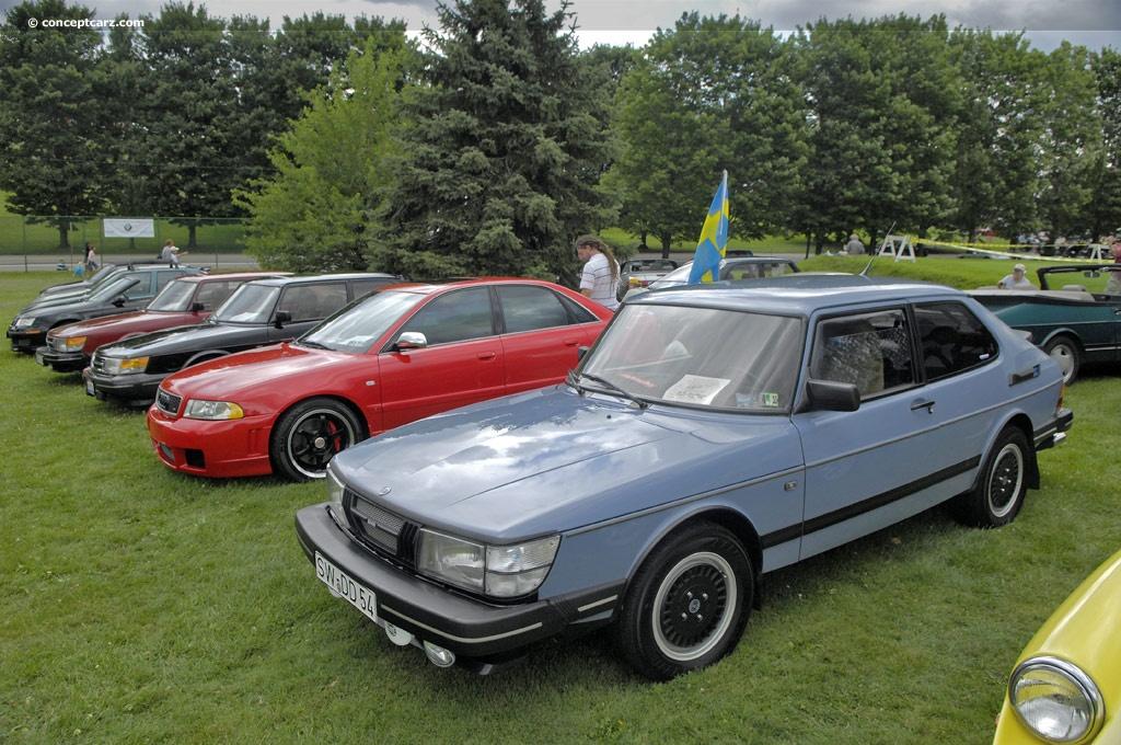 1984 Saab 900 Image