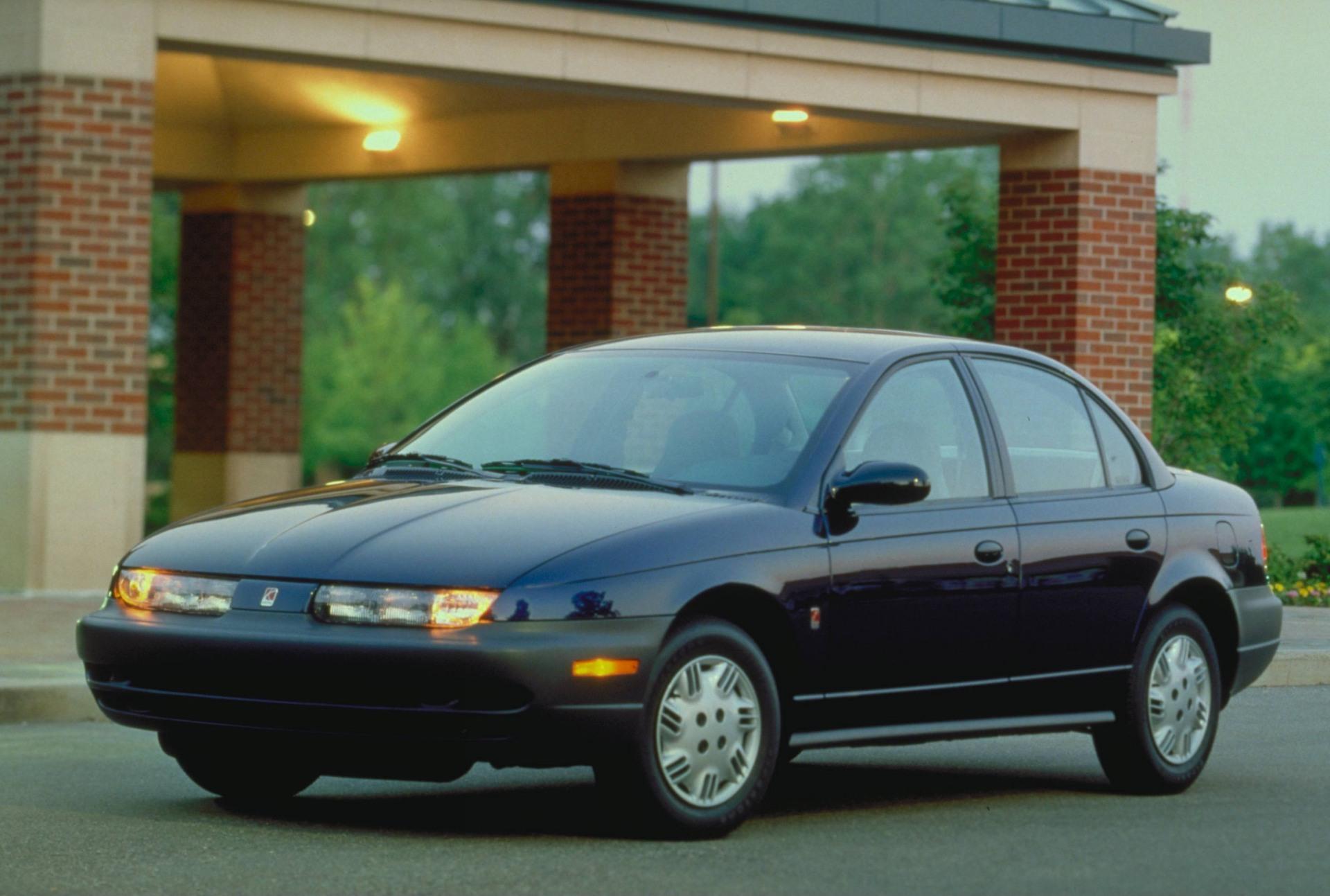 2001 Saturn S Series Image