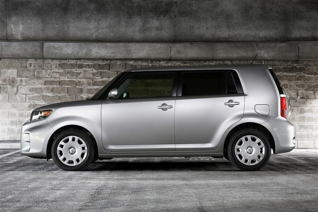 2011 scion xb. Black Bedroom Furniture Sets. Home Design Ideas