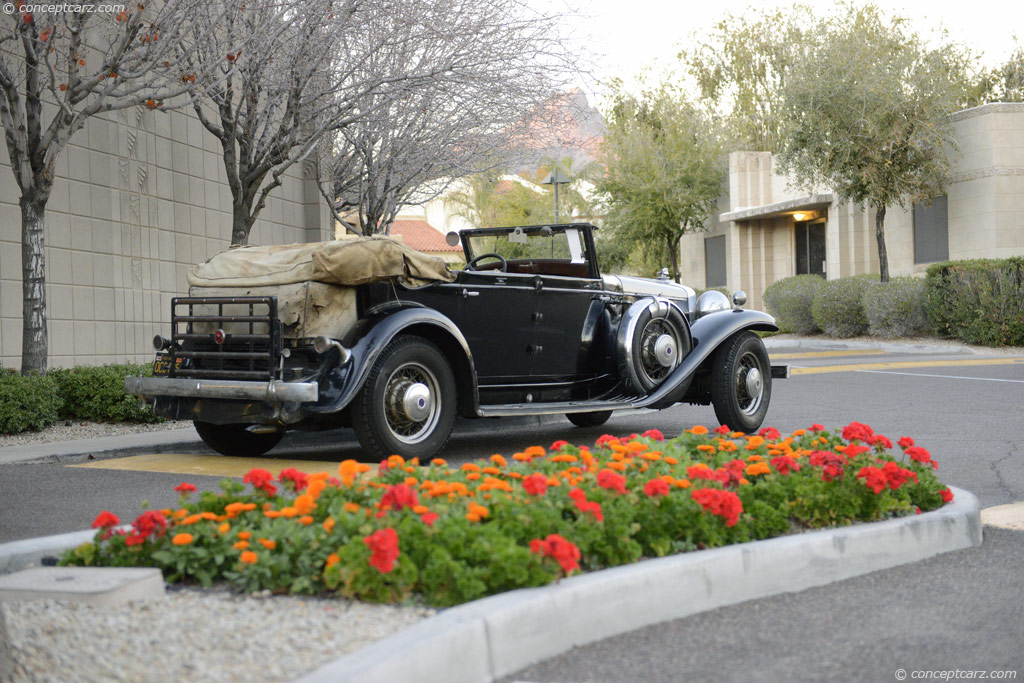 Stutz Model DV-32 pictures and wallpaper