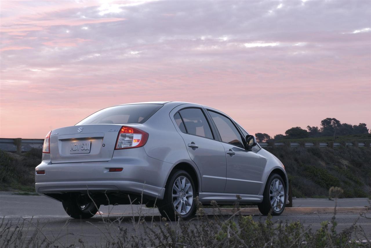 2012 Suzuki SX4 Sedan Image