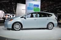 2011 Toyota Prius v image.