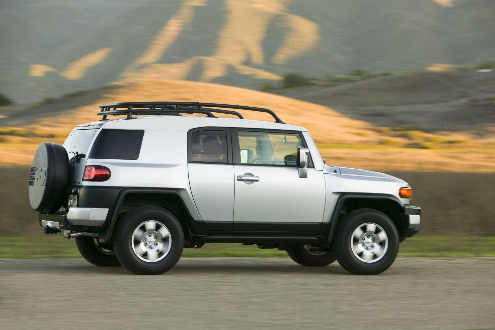 2010 toyota fj cruiser. Black Bedroom Furniture Sets. Home Design Ideas