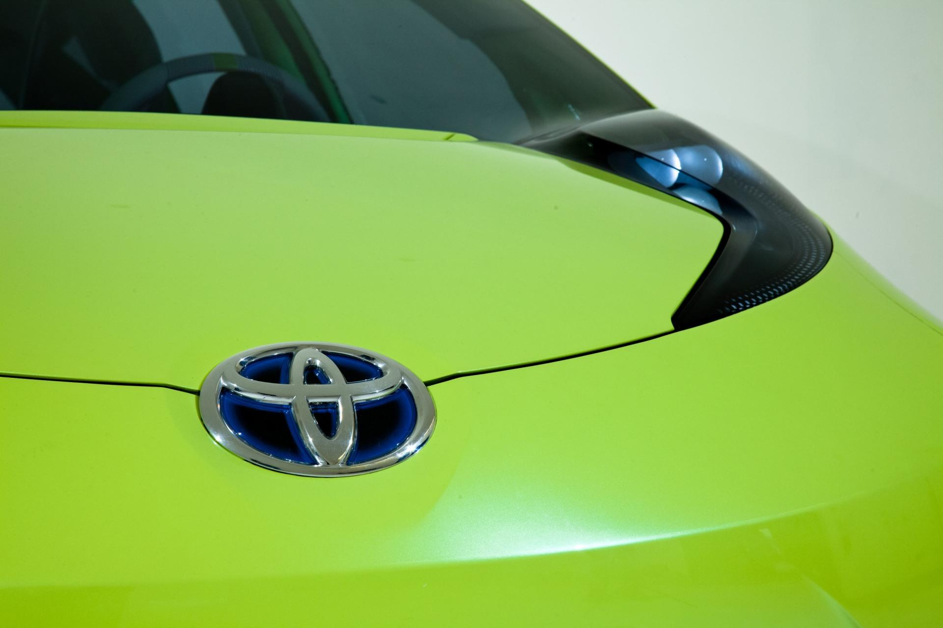 toyota hybrid car marketing plan The success and tremendous rise in toyota hybrid sales can be partly attributed to the company's marketing campaigns most hybrids recognized increasing gains each year, with the exceptions of the accord hybrid and the lexus rx400h.